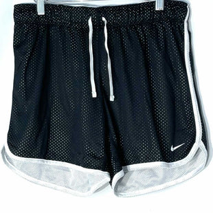 Primary Photo - BRAND: NIKE APPAREL STYLE: ATHLETIC SHORTS COLOR: BLACK WHITE SIZE: M SKU: 262-262101-3073