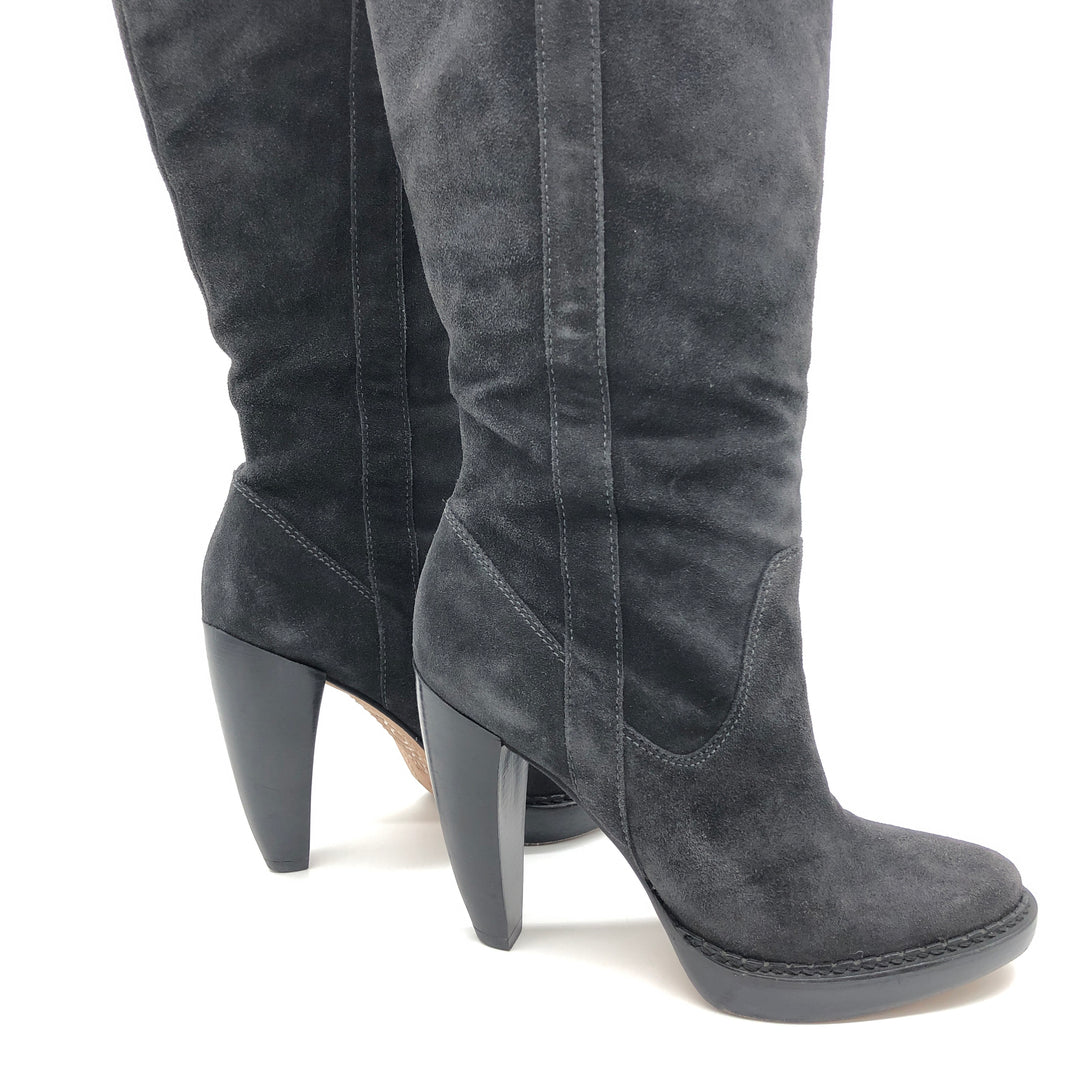"Photo #5 - BRAND: MICHAEL KORS <BR>STYLE: BOOTS KNEE <BR>COLOR: BLACK <BR>SIZE: 10 <BR>SKU: 262-262101-2081<BR>CALF OPENING CIRCUMFERENCE: 16.5"" <BR>LOWER CIRCUMFERENCE: 12.5""<BR>NARROW TOES • GENTLE WEAR • 5"" HEEL HEIGHT • 15"" BOOTS HEIGHT •"