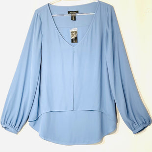 Primary Photo - BRAND: WHITE HOUSE BLACK MARKET STYLE: BLOUSE COLOR: BLUE SIZE: M /8SKU: 262-26275-74859