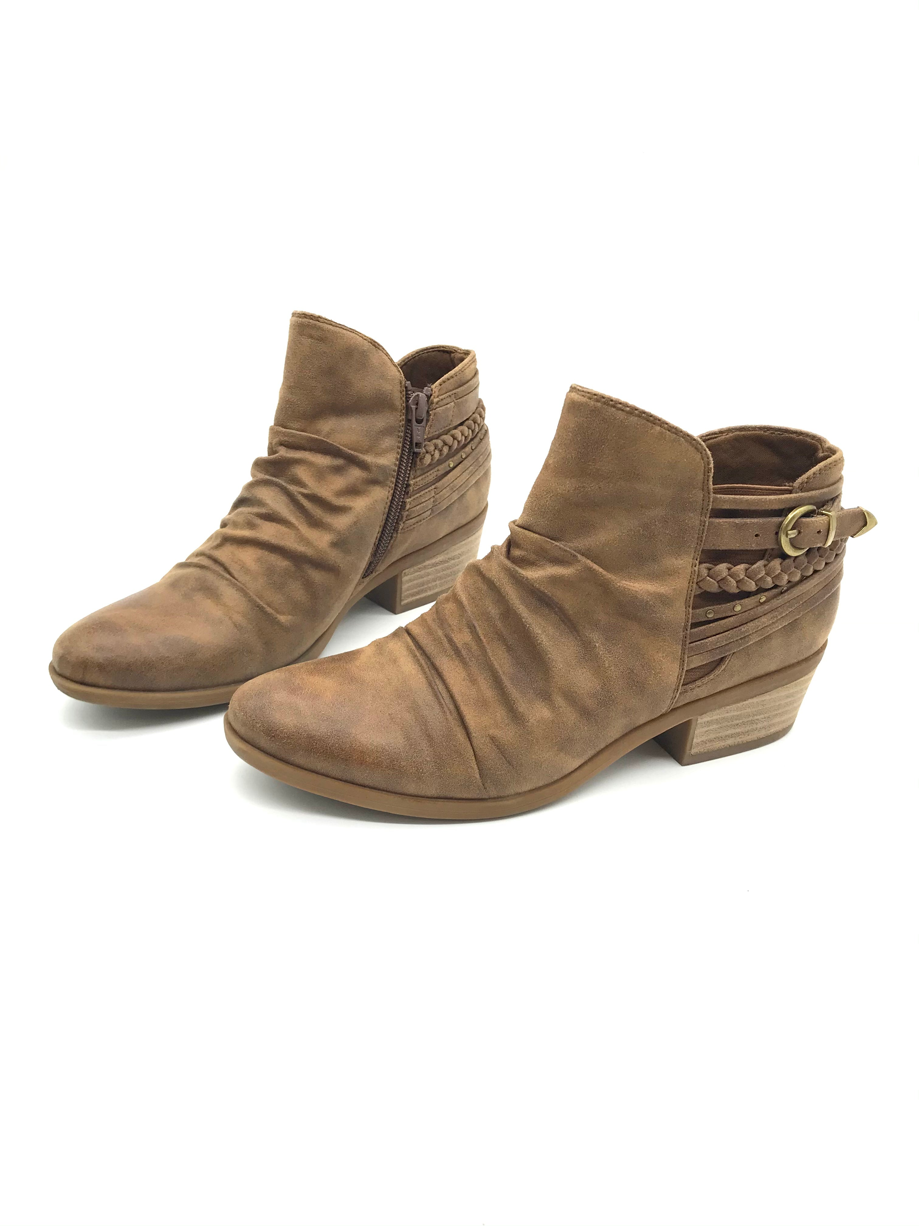 Photo #3 - BRAND: BARE TRAPS <BR>STYLE: BOOTS ANKLE <BR>COLOR: BROWN <BR>SIZE: 7.5 <BR>SKU: 262-26211-136098<BR>AS IS