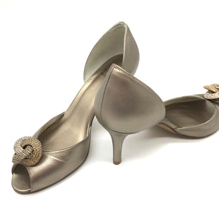 Primary Photo - BRAND: STUART WEITZMAN STYLE: SANDALS HIGH COLOR: METALLIC SIZE: 7.5 SKU: 262-26211-138555SLIGHT WEAR INSIDE, GOOD OVERALL CONDITION