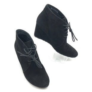 Primary Photo - BRAND: CLARKS STYLE: BOOTS ANKLE COLOR: BLACK SIZE: 7.5 SKU: 262-26275-74124GENTLE WEAR - AS IS