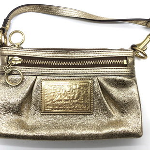 "Primary Photo - BRAND: COACH STYLE: WRISTLET COLOR: GOLD SKU: 262-26275-78285APPROX. 8.25""L X 5""H X 1""D"