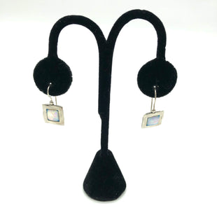 Primary Photo - BRAND:    CLOTHES MENTOR STYLE: EARRINGS COLOR: STERLING SILVER SKU: 262-26275-75618AS IS