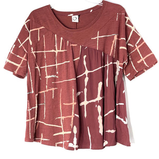 Primary Photo - BRAND: ANTHROPOLOGIE AKEMI + KINSTYLE: TOP SHORT SLEEVE COLOR: MAROON SIZE: S SKU: 262-26211-143898