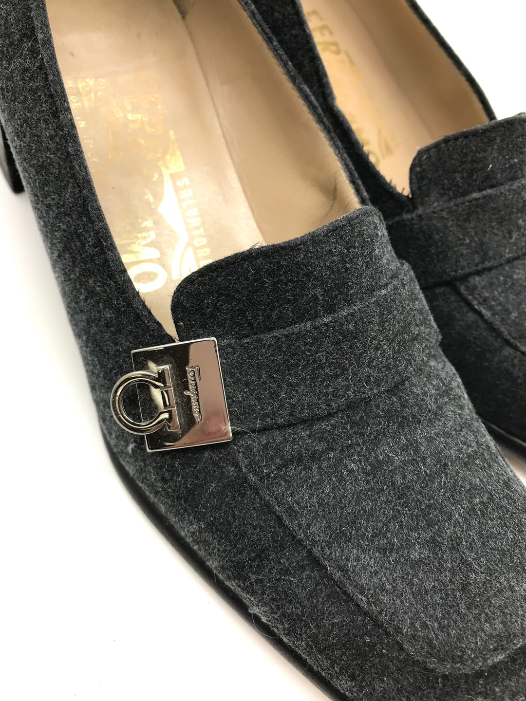 Photo #2 - BRAND: SALVATORE FERRAGAMO <BR>STYLE: SHOES LOW HEEL <BR>COLOR: GREY <BR>SIZE: 6 <BR>SKU: 262-26275-64912<BR>GENTLE WEAR - AS IS