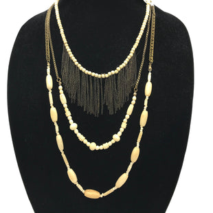 Primary Photo - BRAND: ANTHROPOLOGIE STYLE: NECKLACE COLOR: CREAM SKU: 262-26275-71062AS IS