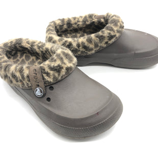 Primary Photo - BRAND: CROCS STYLE: SHOES FLATS COLOR: ANIMAL PRINT SIZE: 7 SKU: 262-26275-73618GENTLE WEAR • AS IS