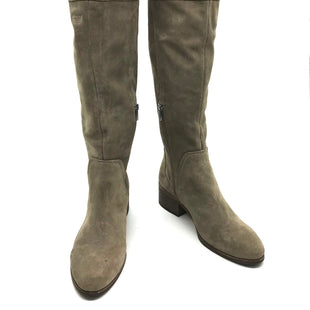 Primary Photo - BRAND: VINCE CAMUTO STYLE: BOOTS KNEE COLOR: BEIGE SIZE: 10 SKU: 262-26275-60843AS IS SMALL SPOTS AND SCUFFS, WEAR TO FABRIC, SOME DISCOLORATION AND STAINS ON BACK AND INSIDE (SEE PHOTOS)