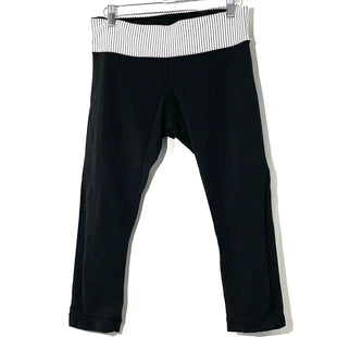 Primary Photo - BRAND: LULULEMON STYLE: ATHLETIC CAPRIS COLOR: BLACK WHITE SIZE: 6 SKU: 262-26275-74606DESIGNER FINAL GENTLEST WEAR PILLING AS IS