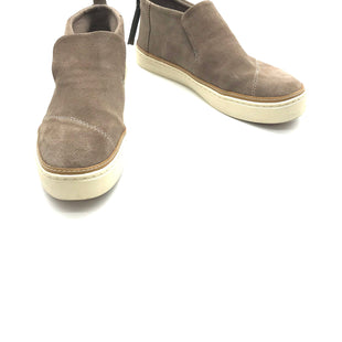 Primary Photo - BRAND: TOMS STYLE: BOOTS ANKLE COLOR: TAN SIZE: 10 SKU: 262-26275-72066AS IS SMALL SCUFF ON FRONT