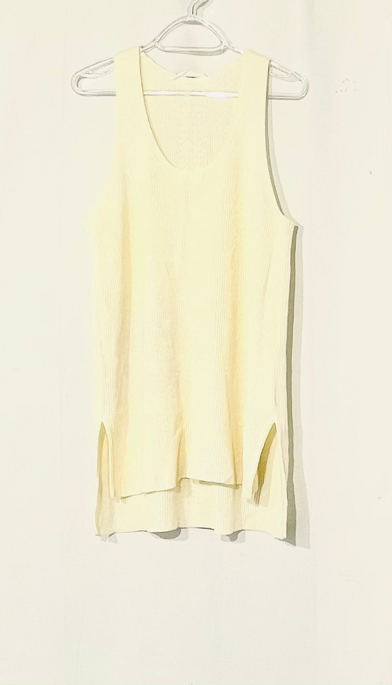 Primary Photo - BRAND: ATHLETA <BR>STYLE: TOP SLEEVELESS <BR>COLOR: CREAM <BR>SIZE: L <BR>SKU: 262-26241-44389
