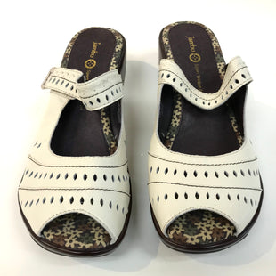 Primary Photo - BRAND: JAMBU STYLE: SANDALS LOW COLOR: WHITE SIZE: 9 SKU: 262-26275-61237