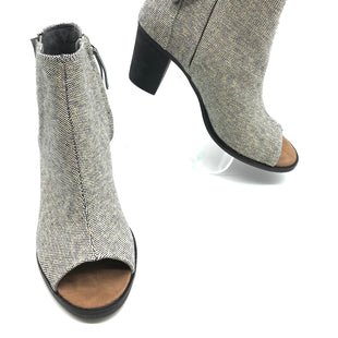 Primary Photo - BRAND: TOMS STYLE: BOOTS ANKLE COLOR: GREY SIZE: 9 SKU: 262-26275-69921IN GREAT SHAPE AND CONDITION
