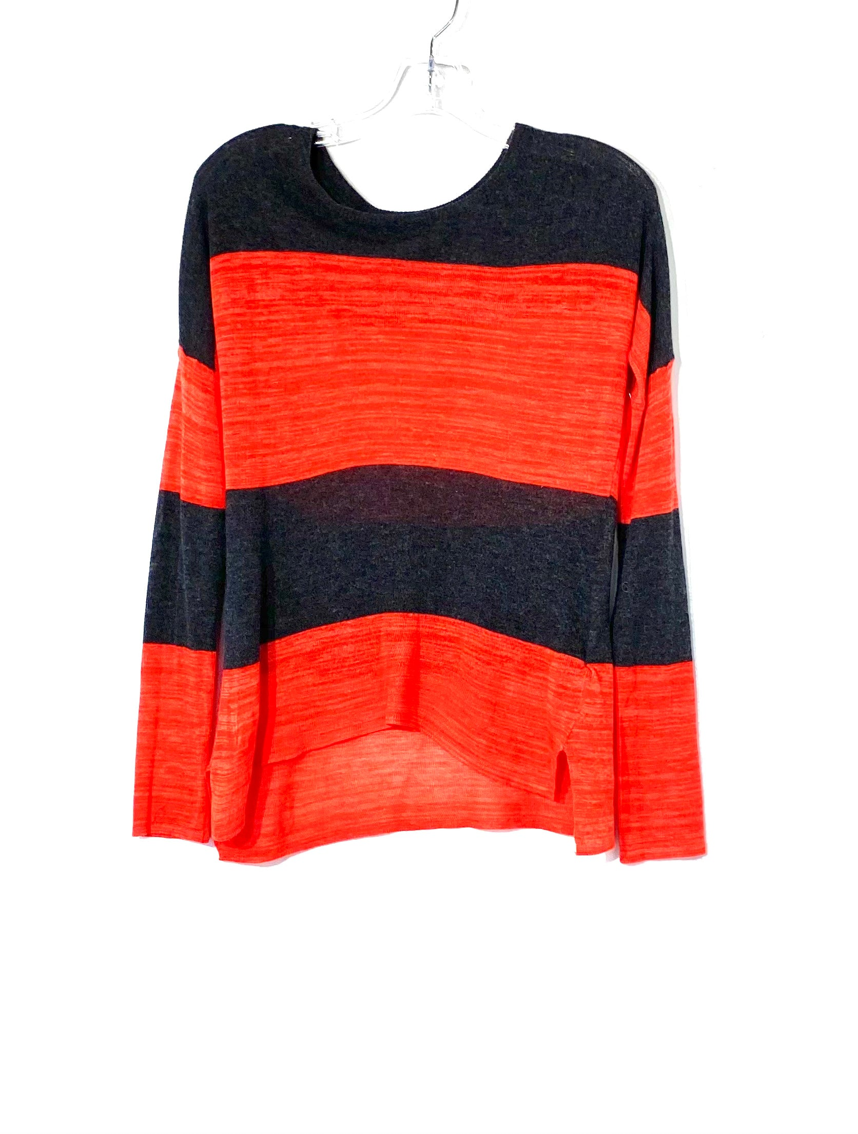 Primary Photo - BRAND:    J&J<BR>STYLE: TOP LONG SLEEVE <BR>COLOR: RED GREY <BR>SIZE: XS <BR>OTHER INFO: J J  - <BR>SKU: 262-26275-72074