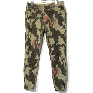 Primary Photo - BRAND:    CLOTHES MENTOR STYLE: PANTS COLOR: CAMOFLAUGE SIZE: L /12OTHER INFO: REVERSIBLE (OLIVE)SKU: 262-26275-73693