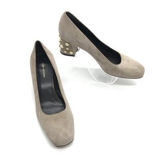 Primary Photo - BRAND: STUART WEITZMAN STYLE: SHOES LOW HEEL COLOR: TAUPE SIZE: 10 SKU: 262-26275-74310AS IS