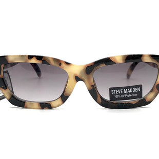 Primary Photo - BRAND:  STEVE MADDEN STYLE: SUNGLASSES COLOR: BROWN SKU: 262-26211-140114IN NEW CONDITION AS IS