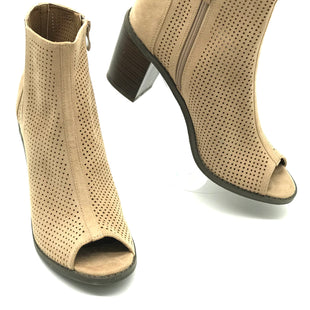 Primary Photo - BRAND:  DREAM PAIRSSTYLE: BOOTS ANKLE COLOR: BEIGE SIZE: 10 SKU: 262-26275-68069LIKE NEW CONDITION