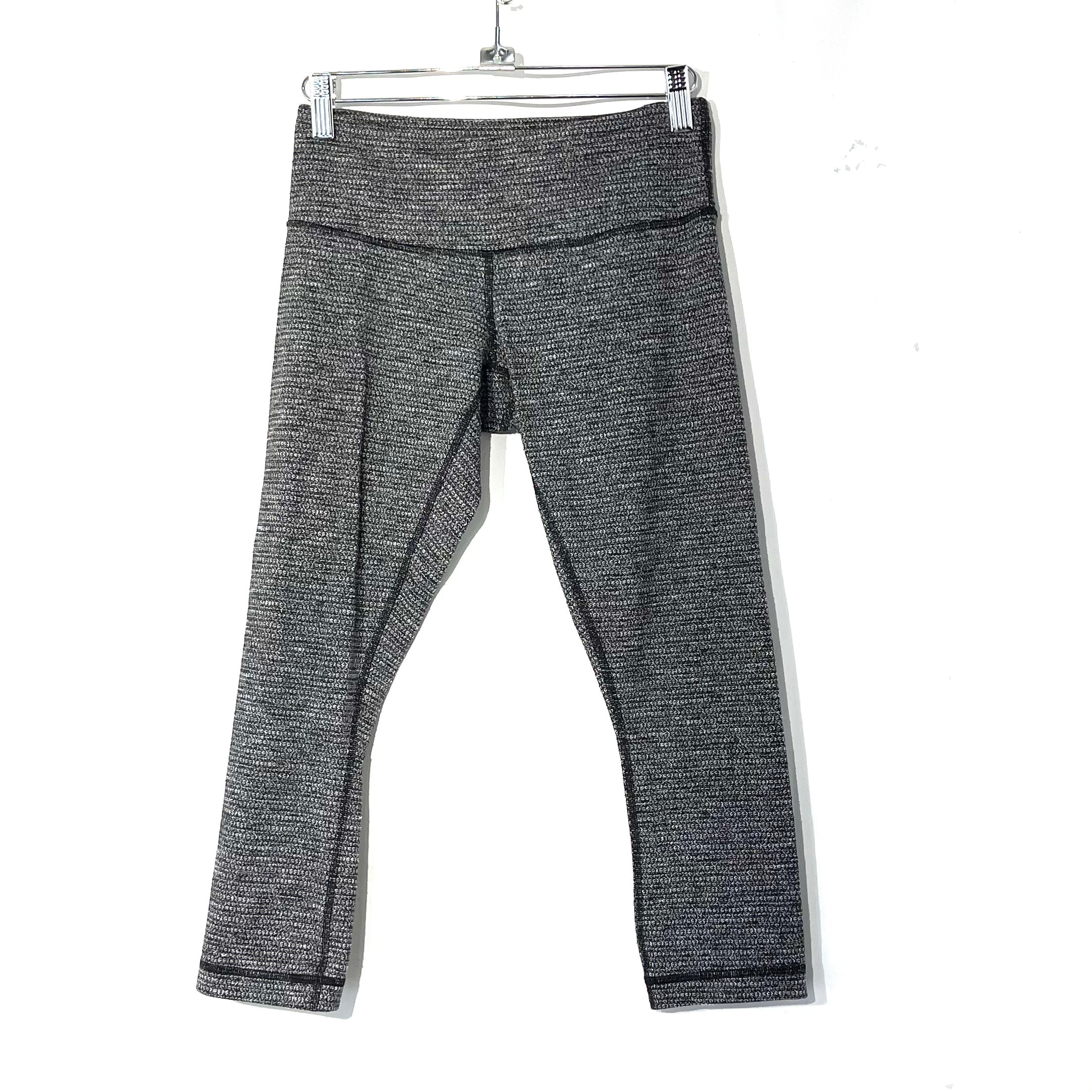 Primary Photo - BRAND: LULULEMON <BR>STYLE: ATHLETIC CAPRIS <BR>COLOR: BLACK WHITE <BR>SIZE: 6 <BR>SKU: 262-26275-73947<BR>DESIGNER FINAL