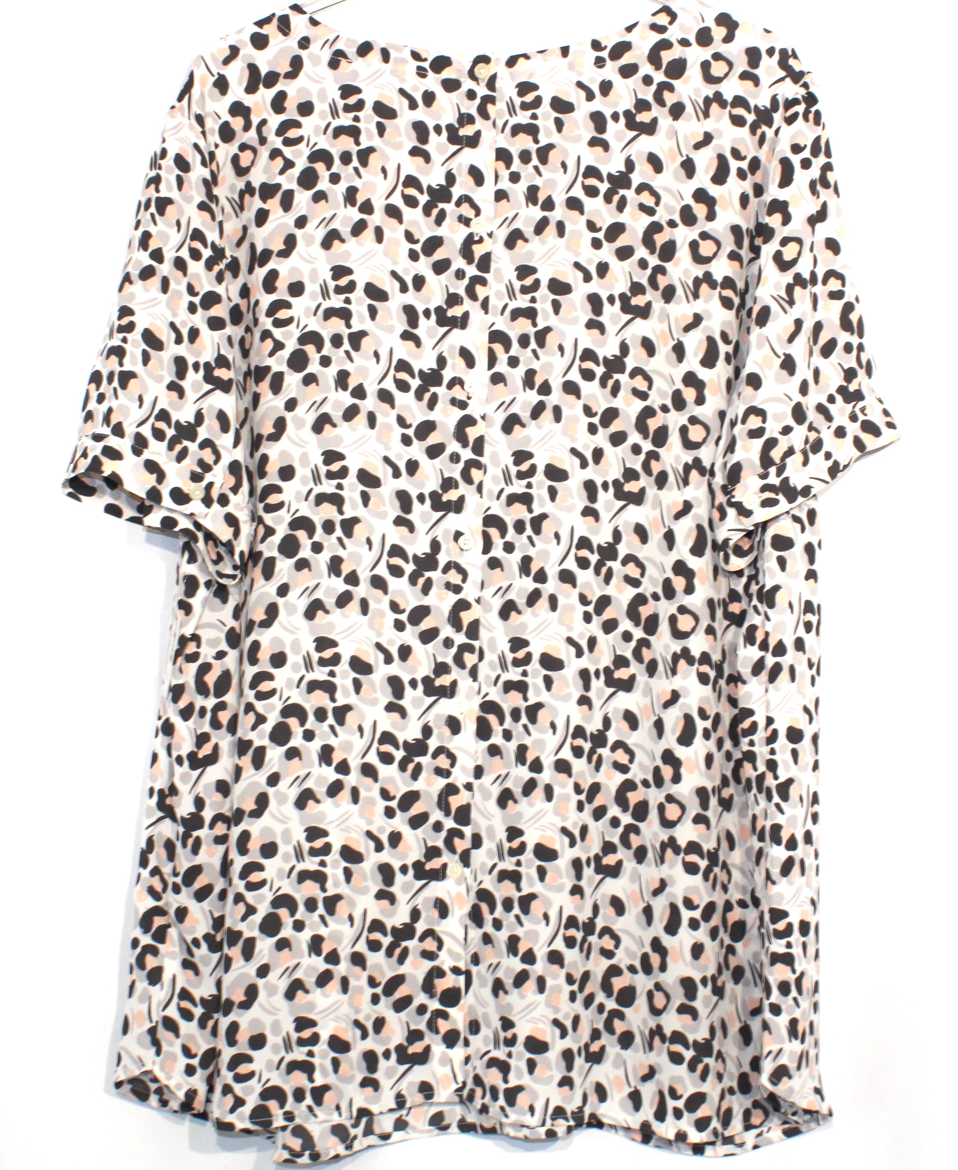 Photo #1 - BRAND: ANN TAYLOR LOFT <BR>STYLE: TOP SHORT SLEEVE <BR>COLOR: ANIMAL PRINT <BR>SIZE: 2X/20<BR>SKU: 262-26285-2574