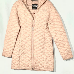 Primary Photo - BRAND: NORTH FACE STYLE: JACKET OUTDOOR COLOR: LIGHT PINK SIZE: S OTHER INFO: AS IS SLIGHT SPOTS SKU: 262-26275-67242DESIGNER FINAL PIT TO HEM 22.5""