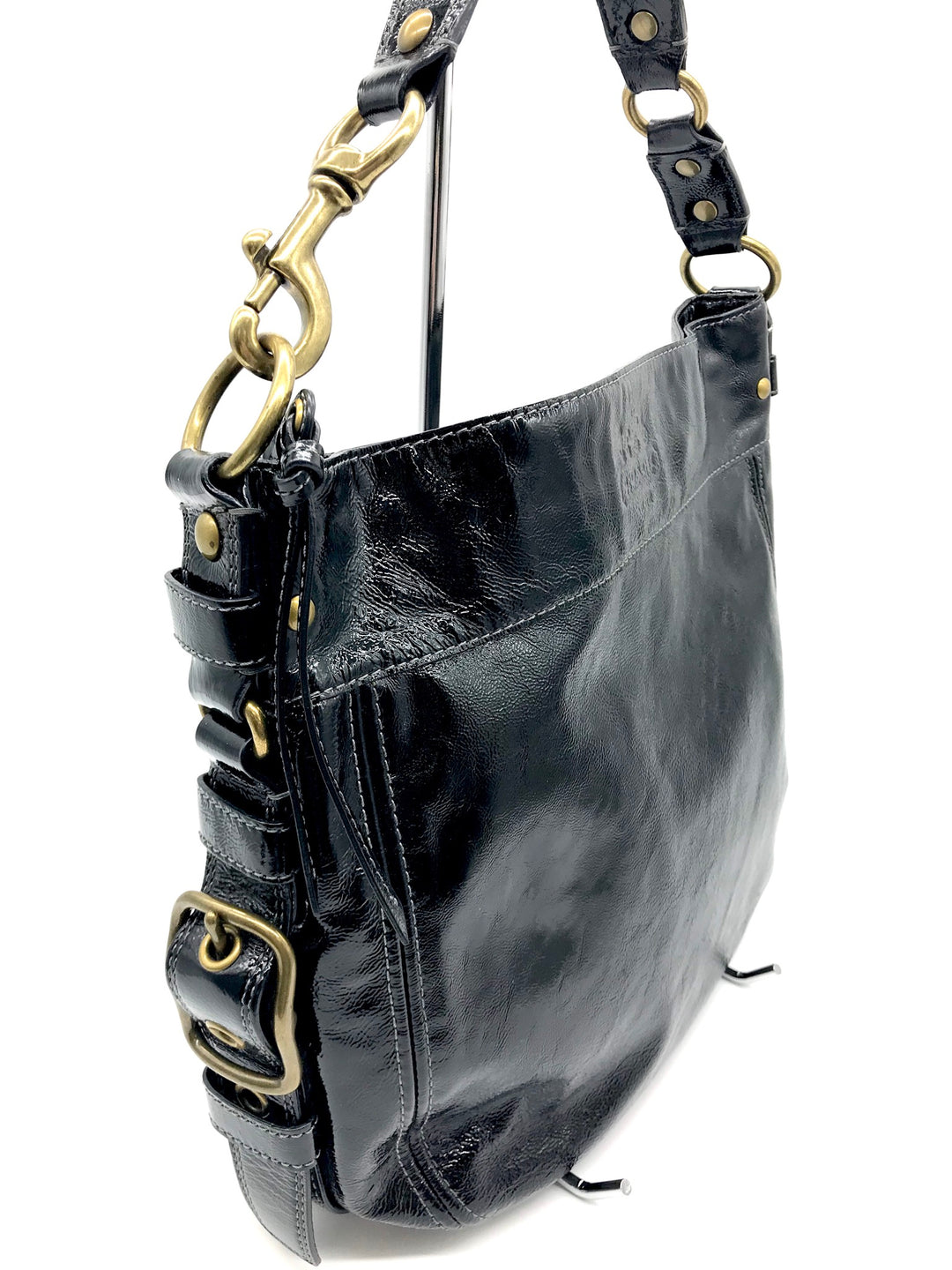 Photo #1 - BRAND: COACH <BR>STYLE: HANDBAG DESIGNER <BR>COLOR: BLACK <BR>SIZE: LARGE <BR>SKU: 262-26275-64721<BR>GENTLE WEAR SHOWS, CRACKS AROUND THE EDGES OF THE STRAP AND SOME STAIN SPOTS ON THE INTERIOR LINING. OVERALL IN GOOD SHAPE AND CONDITION. <BR>DESIGNER BRAND - FINAL SALE