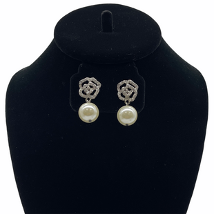 Primary Photo - BRAND:    CLOTHES MENTOR STYLE: EARRINGS SKU: 262-26241-47879
