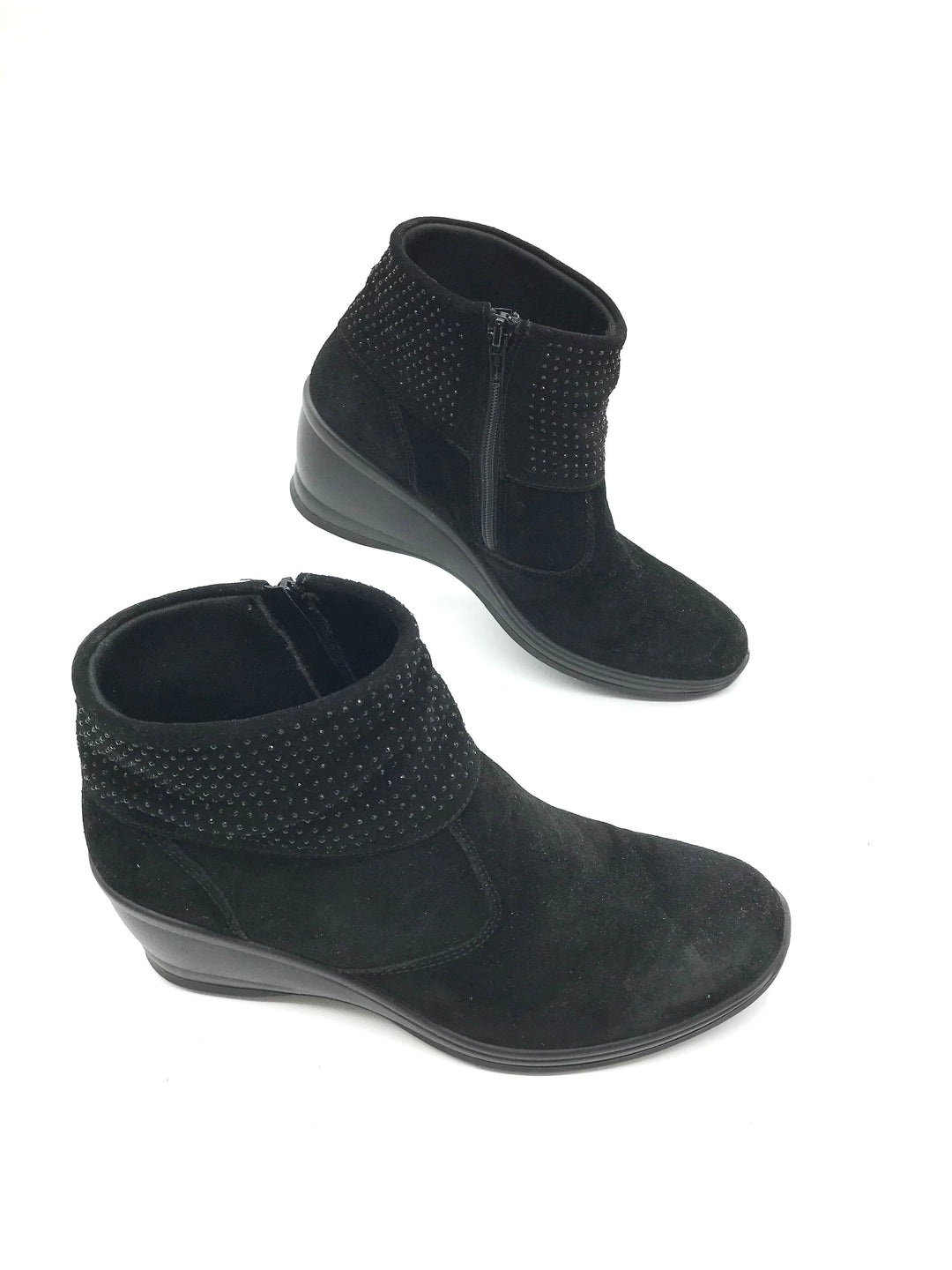 Photo #4 - <P>BRAND: CASUAL SOFT DESIGN <BR>STYLE: BOOTS ANKLE <BR>COLOR: BLACK <BR>SIZE: 8 <BR>OTHER INFO: CASUAL SOFT DESIGN - <BR>SKU: 262-26275-73080<BR><BR>AS IS MARKS (SEE PHOTOS)</P>