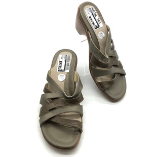 Primary Photo - BRAND: DANSKO STYLE: SANDALS LOW COLOR: OLIVE SIZE: 9.5 SKU: 262-26275-58895AS IS WEAR, SMALL SPOTS ON INSIDE