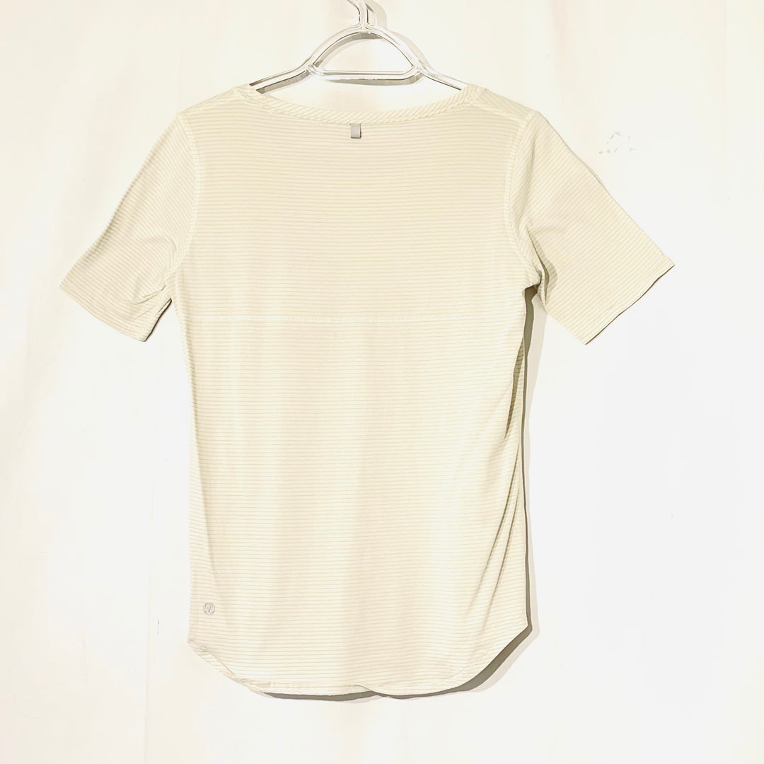 Photo #1 - BRAND: LULULEMON <BR>STYLE: ATHLETIC TOP SHORT SLEEVE <BR>COLOR: OFF WHITE <BR>SIZE: M <BR>SKU: 262-26275-74206<BR>SIZE TAG MISSING AS IS