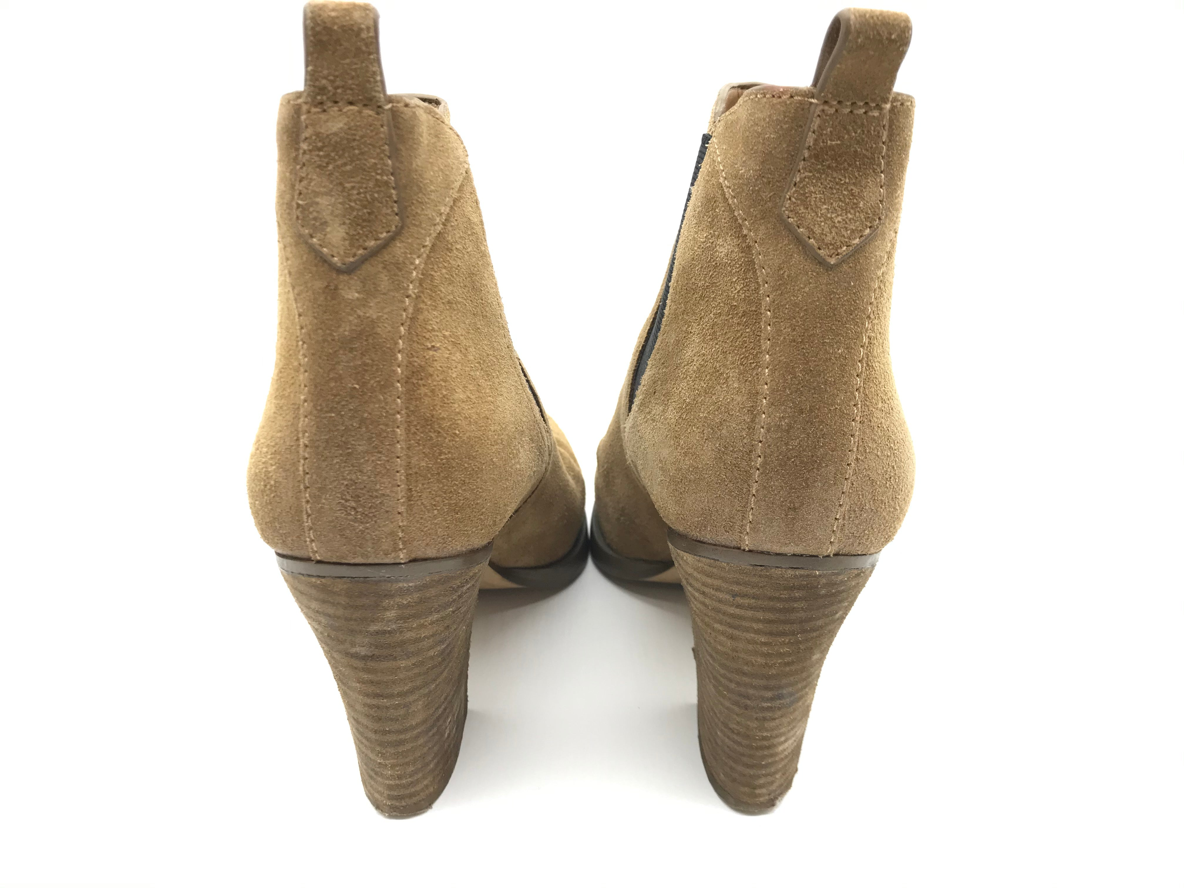Boots Ankle By Marc Fisher  Size: 7 - BRAND: MARC FISHER <BR>STYLE: BOOTS ANKLE <BR>COLOR: BROWN <BR>SIZE: 7 <BR>SKU: 262-262101-1906<BR>SLIGHT SCRATH ON TOE AREA • GENTLE WEAR SHOWS • GENTLE TEAR IN THE INTERIOR LINING • GENTLE SCUFFS ON THE OUTSOLES •
