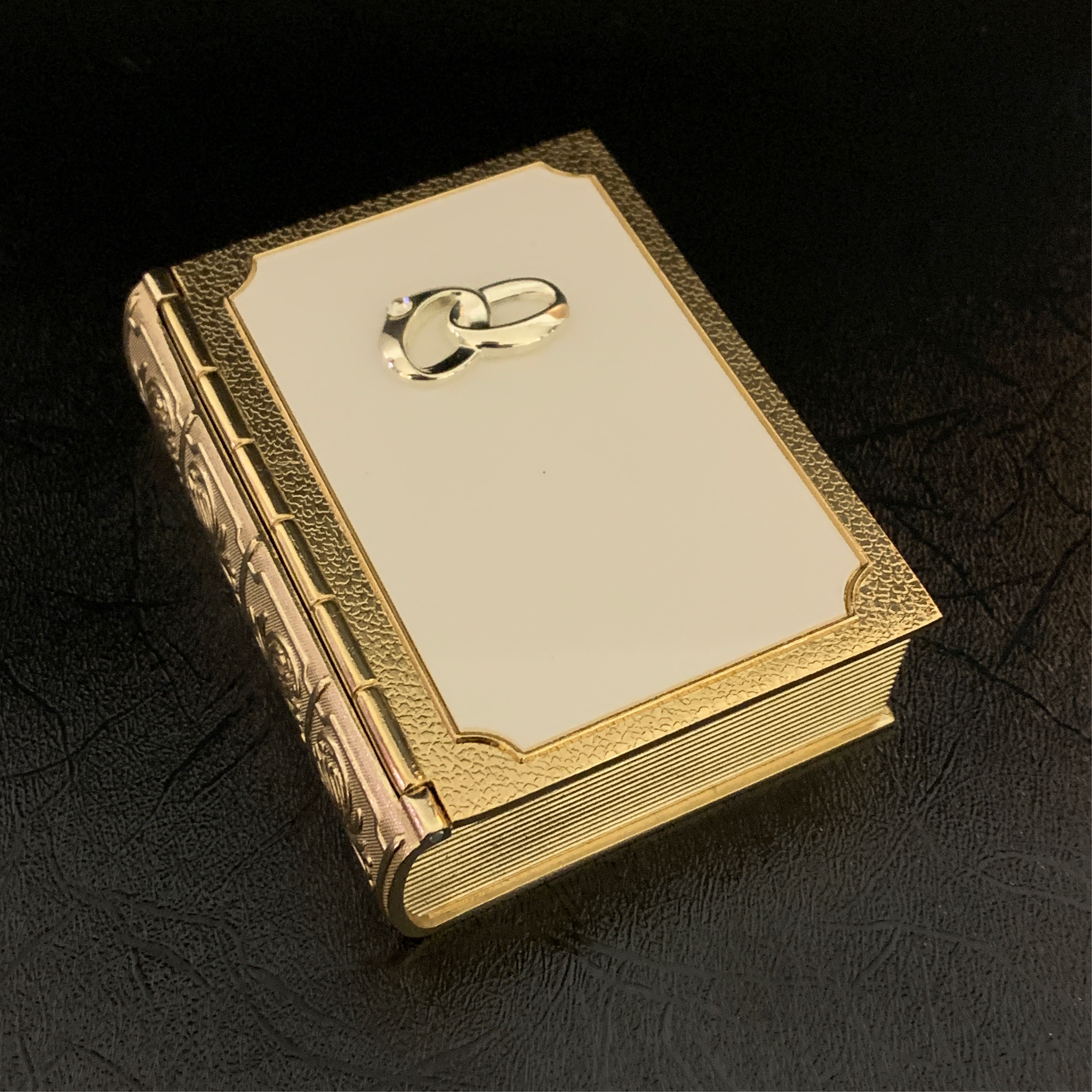 Golden Double Ring Box