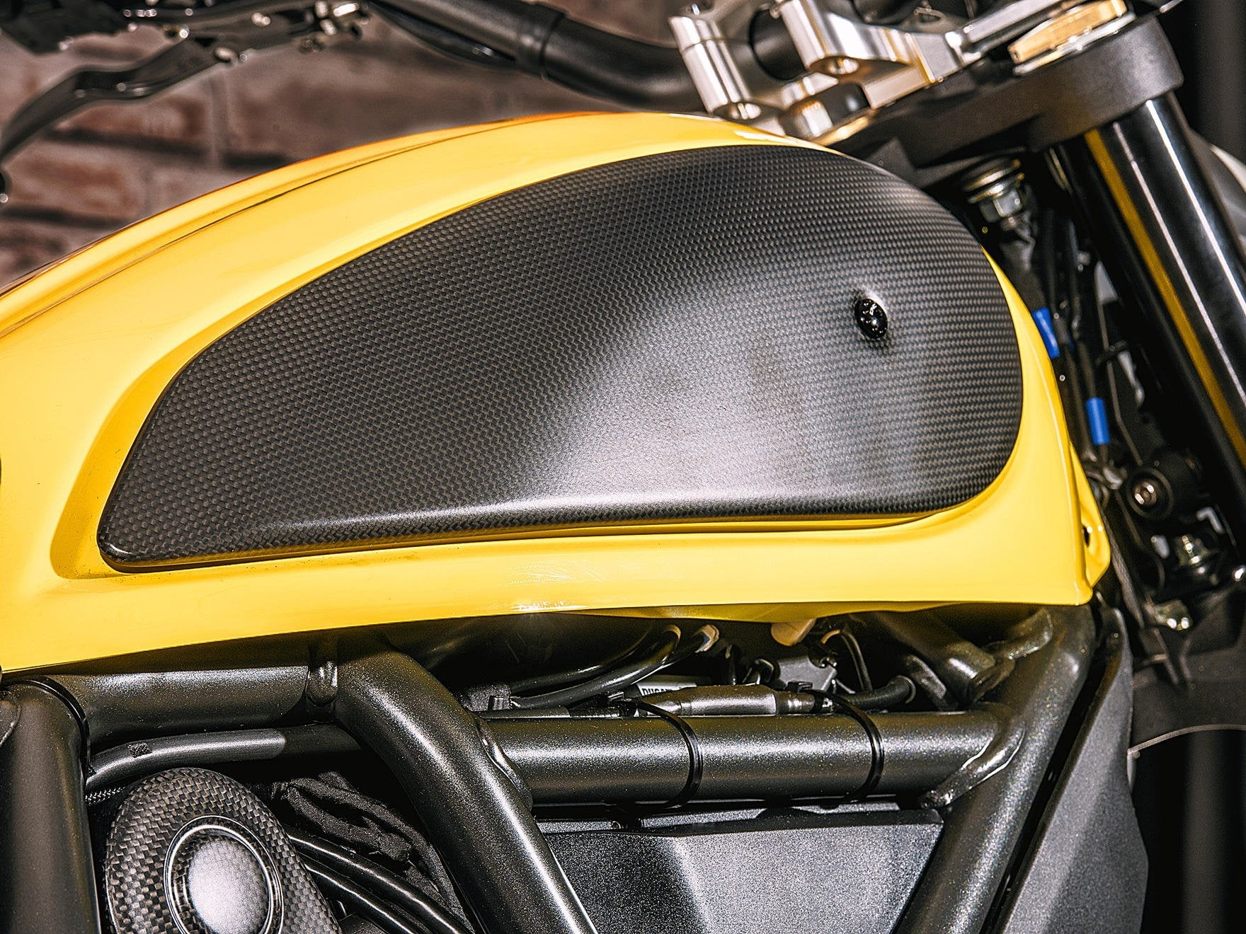 ZA974 - CNC RACING Ducati Scrambler 800 Carbon Fuel Tank Cover