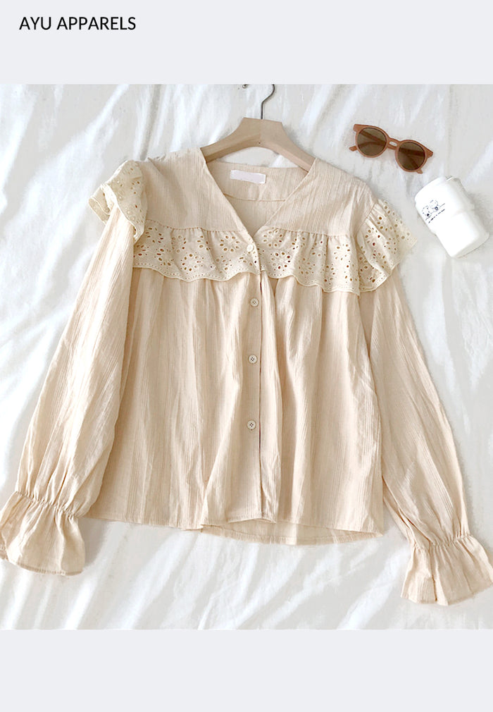 L'amour Buttoned Blouse Cream