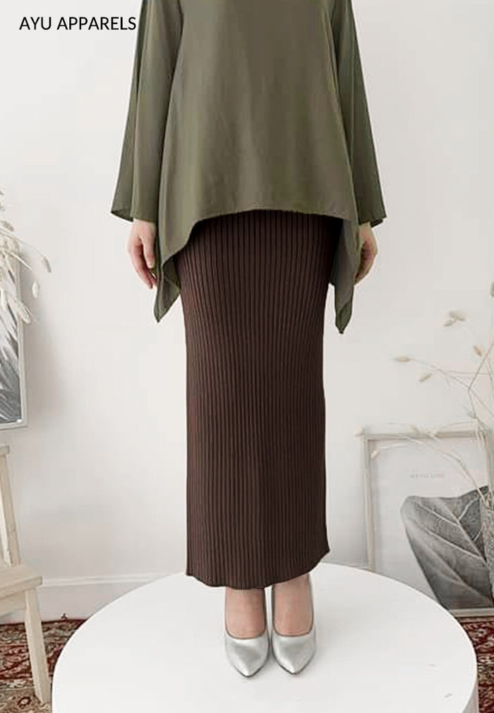 Straight Cut Skirt Dark Brown
