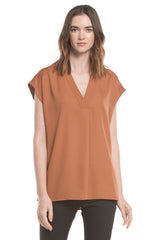 V-neck Slip-on Blouse | De Leche