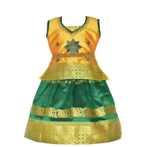 Elegant Green Silk Blend Lehenga Cholis