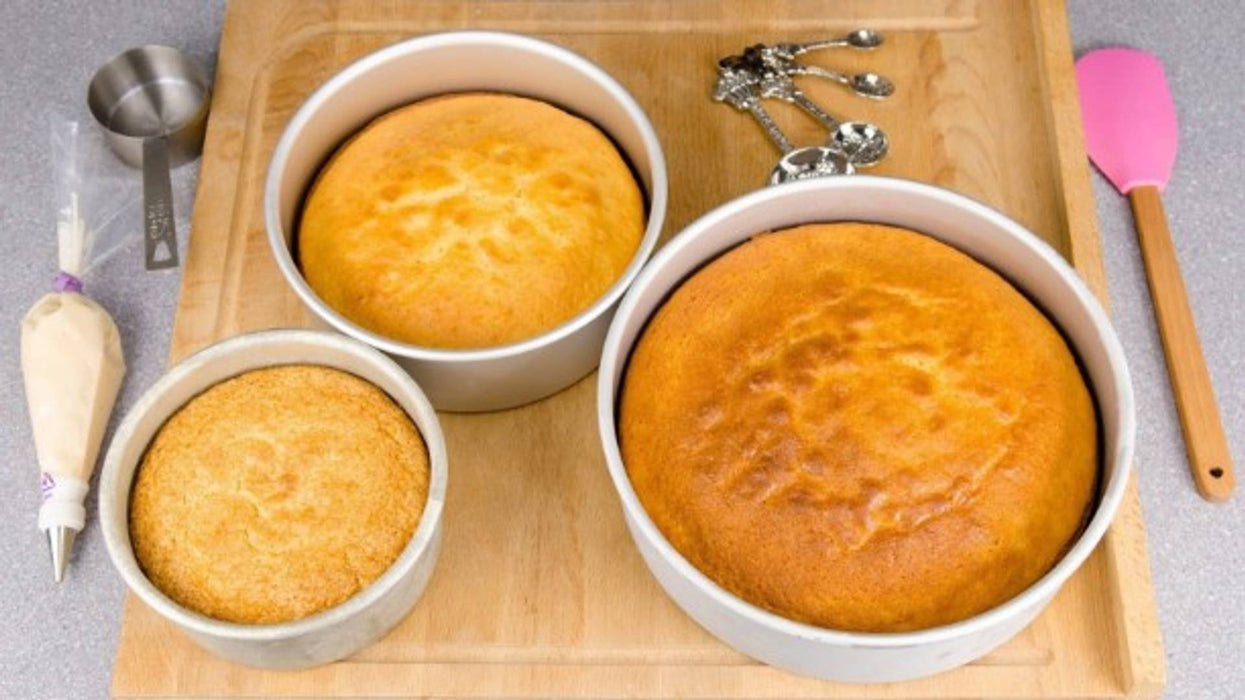 Aluminium Round Shape Cake Mould Set of 3