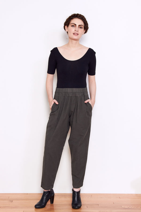 Black Crane Carpenter Pant in Dark Grey