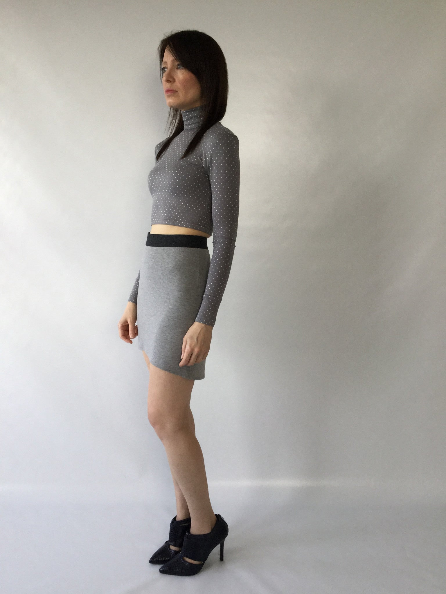 Curve bottom Mini skirt