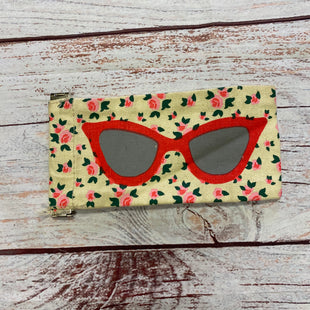 Primary Photo - BRAND:    CLOTHES MENTOR STYLE: ACCESSORY LABEL OTHER INFO: GLASSES CASE SKU: 257-25797-959