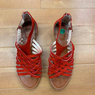 Primary Photo - BRAND: VINCE CAMUTO STYLE: SANDALS FLAT COLOR: RED SIZE: 7.5 SKU: 178-178114-11880