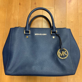 Primary Photo - BRAND: MICHAEL KORS STYLE: HANDBAG DESIGNER COLOR: NAVY SIZE: MEDIUM OTHER INFO: GOLD ZIPPERS SKU: 257-257184-402