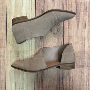Primary Photo - BRAND: CROWN VINTAGE STYLE: BOOTS ANKLE COLOR: SAND SIZE: 6.5 SKU: 257-257100-827