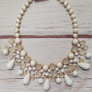 Primary Photo - BRAND: BANANA REPUBLICSTYLE: NECKLACE COLOR: WHITE OTHER INFO: CHANDELIER SKU: 257-257100-1852