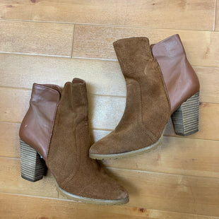 Primary Photo - BRAND: TAHARI STYLE: BOOTS ANKLE COLOR: CAMEL SIZE: 8 SKU: 178-178102-48748