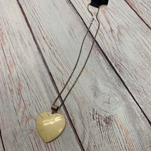 Primary Photo - BRAND:    CLOTHES MENTOR STYLE: NECKLACE COLOR: BEIGE OTHER INFO: HEART CHARM NECKLACE SKU: 257-257194-920