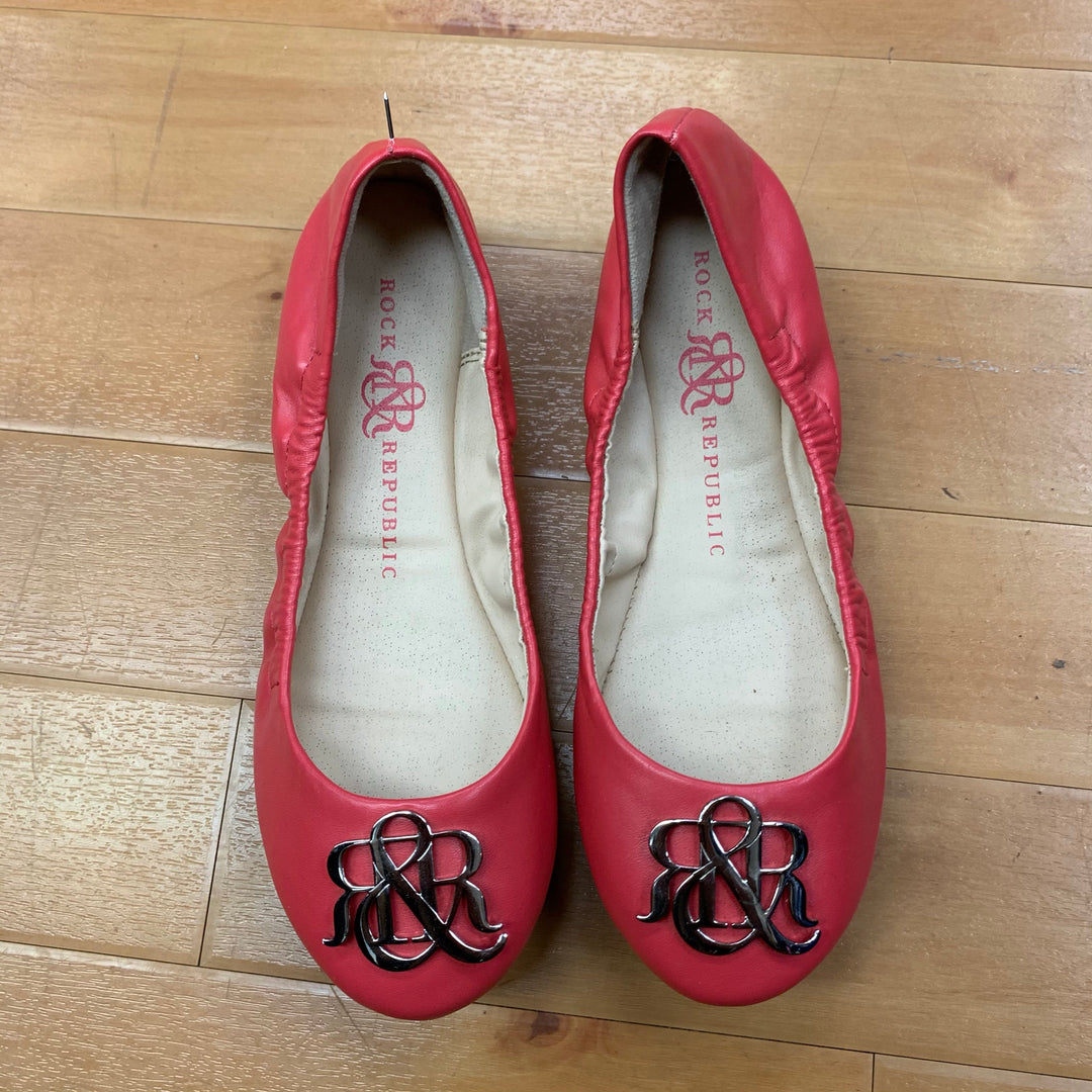 Photo #1 - BRAND: ROCK AND REPUBLIC <BR>STYLE: SHOES FLATS <BR>COLOR: CORAL <BR>SIZE: 6.5 <BR>OTHER INFO: W/SILVER MONOGRAM <BR>SKU: 257-257180-947