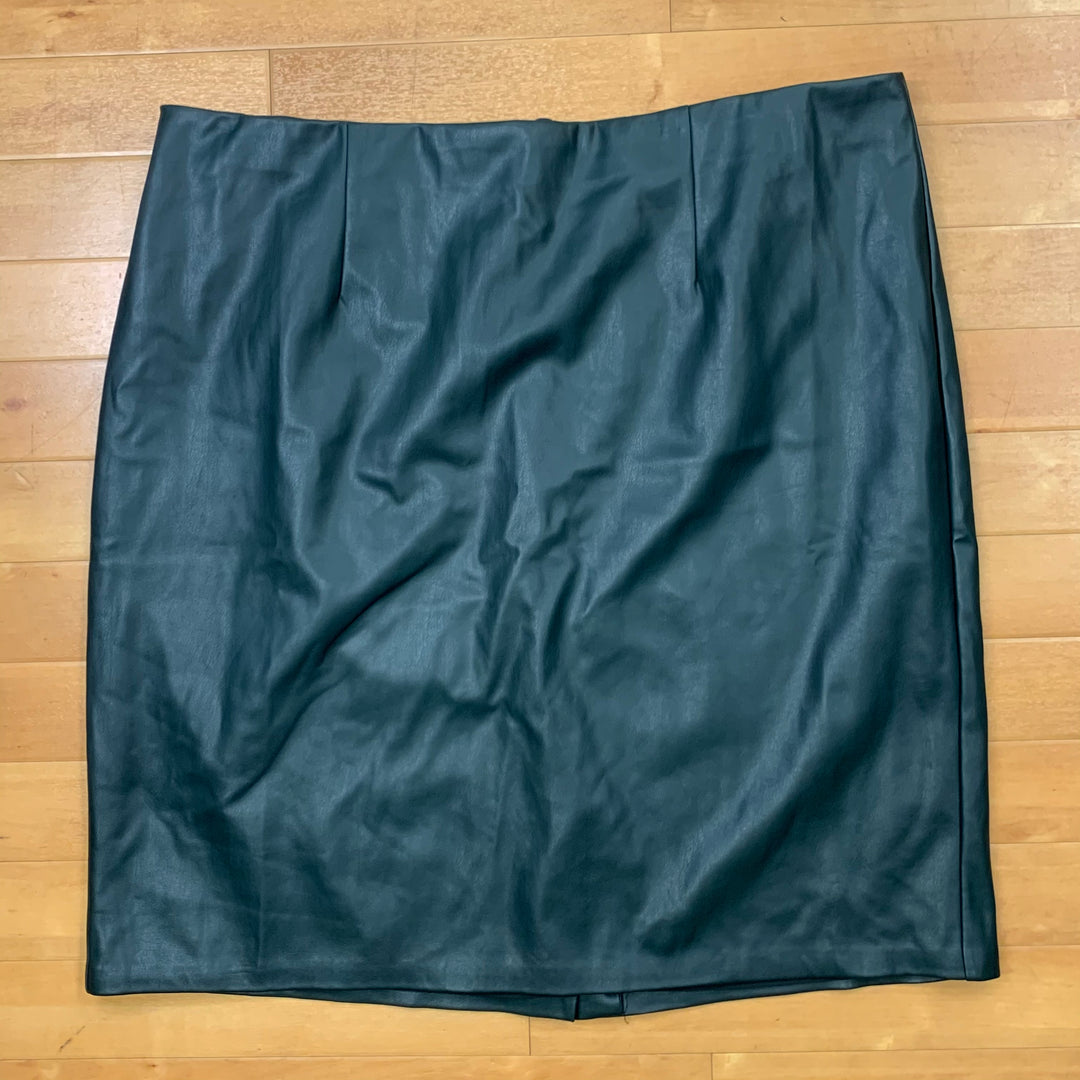 Primary Photo - BRAND: ELOQUII <BR>STYLE: SKIRT <BR>COLOR: GREEN <BR>SIZE: 22 <BR>OTHER INFO: NEW! <BR>SKU: 257-257194-44